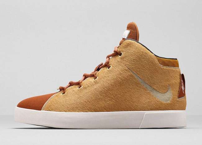 chaussures-nike-lebron-lion-02