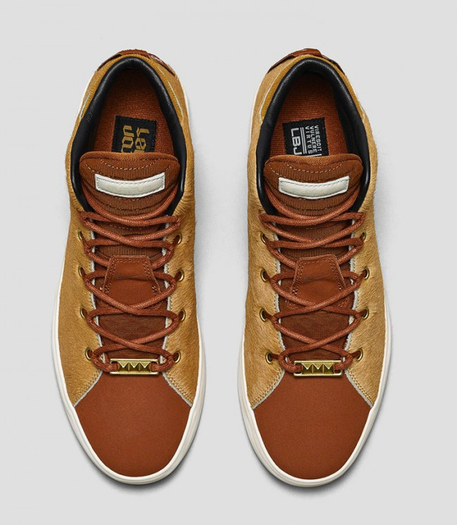 chaussures-nike-lebron-lion-03