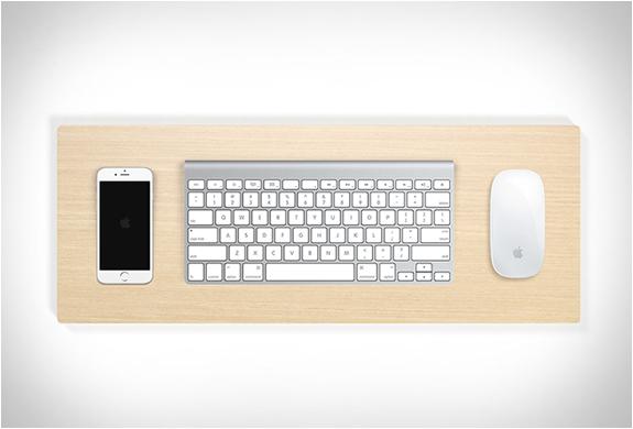 Support clavier telephone et souris bois