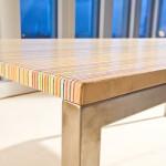 Bureau Design avec des lignes de couleurs