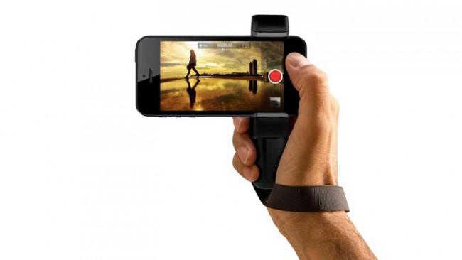 Accrocher smartphone au poignet