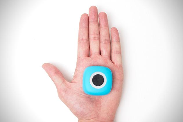 Camera qui tient dans la main