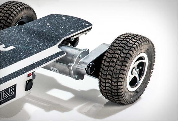 skateboard à grosse roues