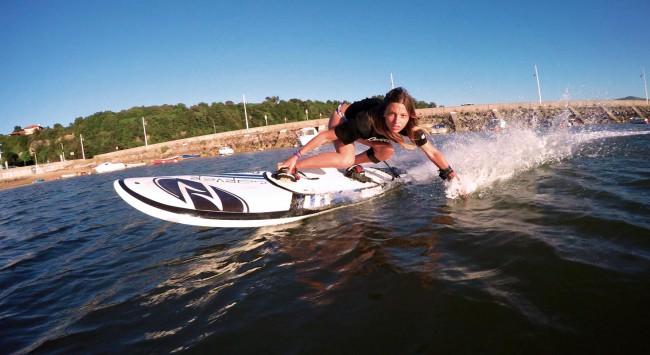 Planche de surf électrique