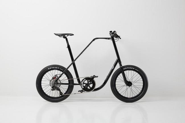 Vélo urbain noir