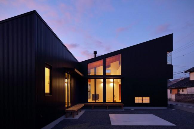 Maison design bardage noir