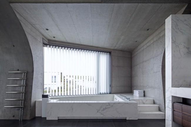 Salle de bain béton et marbre