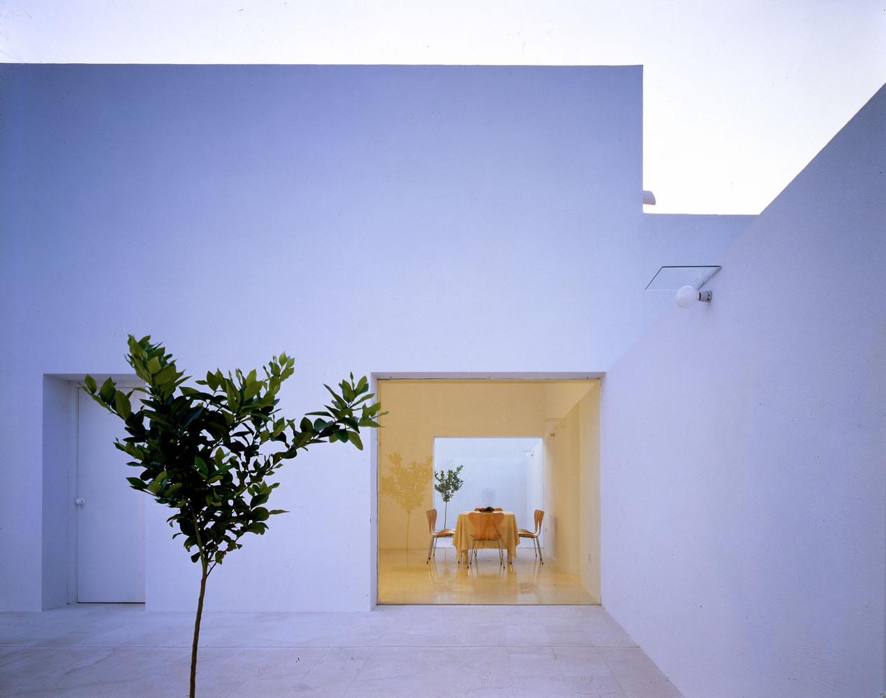 Maison blanche minimaliste