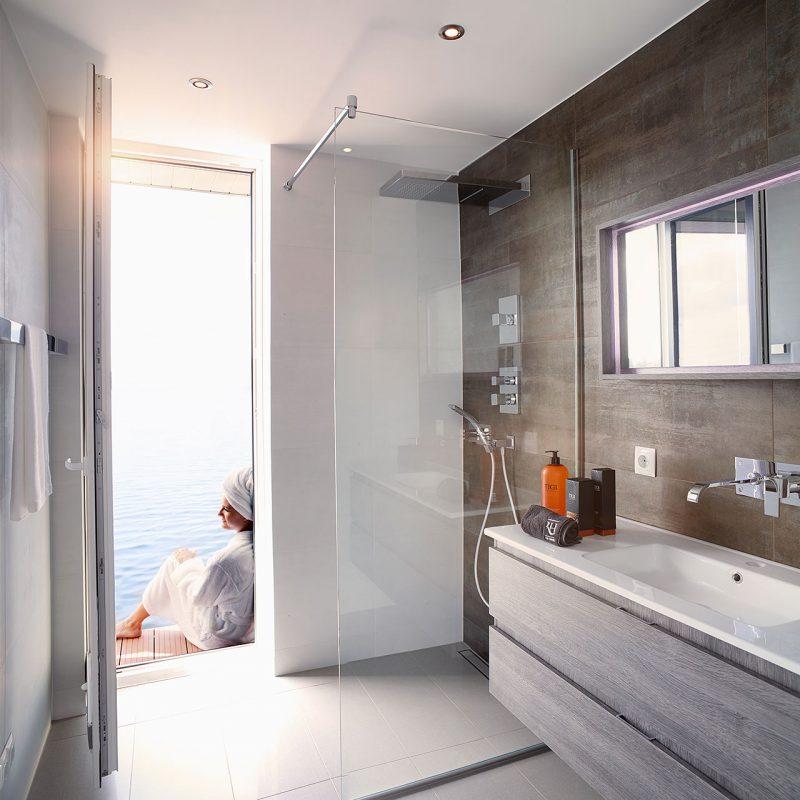 salle-bain-luxe-houseboat