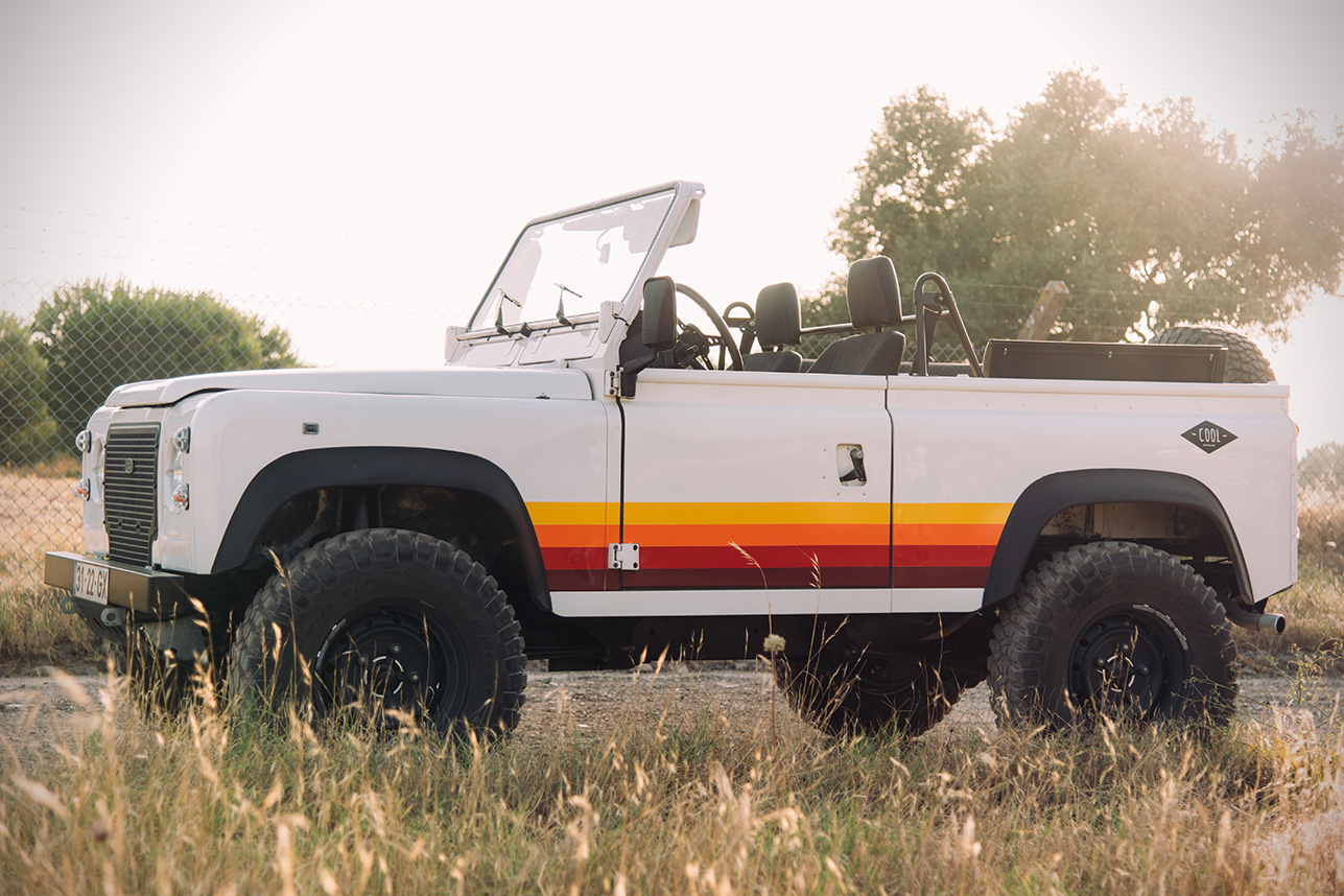 Land-Rover-Defender-D90-vintage